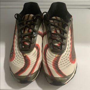 Nike Air max Deluxe size 10.5
